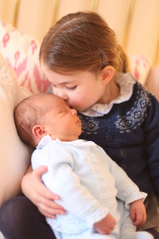 Las fotos oficiales del príncipe Louis de Cambridge dejan claro una cosa: los Cambridge son los reyes del reciclaje