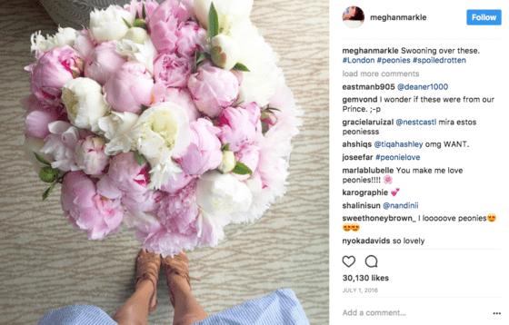 ESPECIAL BODA REAL Peonías y flores blancas para Meghan Markle y los otros ramos de novia de las Windsor